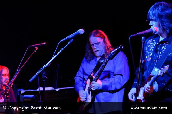 Warren Haynes and Larry Campbell with Phil Lesh & Friends